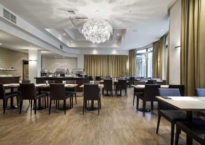 Ontbijtzaal - M Hotel